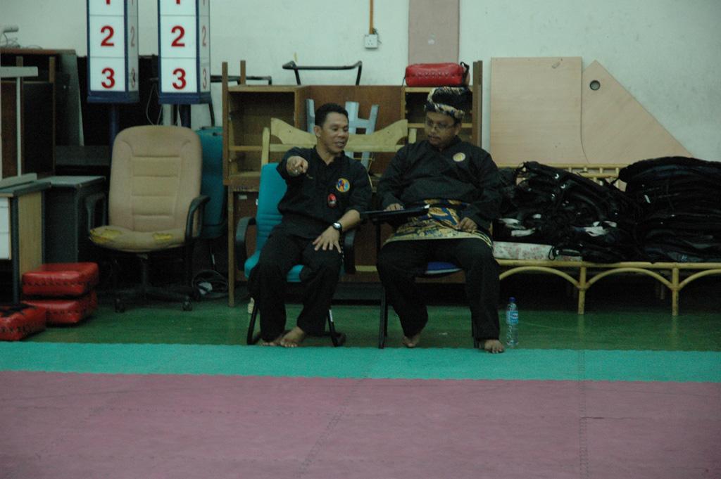 Penchak silat - Juge pour le grade de ceinture noire pencak silat seni gayung fatani malaysia