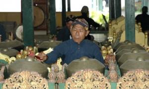 Penchak Silat à Yogyakarta - Joueur de Gamelan au Kraton de Yogyakarta