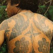 le silat - tatouage dayak dans le dos