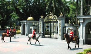 Kuala Lumpur - Gardes Royaux - Culture-SIlat