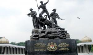 Kuala Lumpur - Monument commémoratif indépendance - Culture-Silat