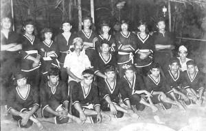 Penchak Silat - Photo Pencak Silat de groupe en 1967