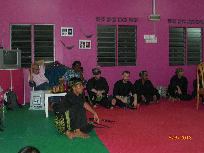 Carnet de stage Silat Fatani 2013 - Passage de grade de Penchak Silat Fatani des élèves de Maître Raban en Malaisie