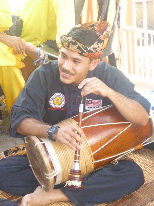 Cikgu Kik - Serunai & Gendang Silat - Musique Silat Seni Gayung Fatani