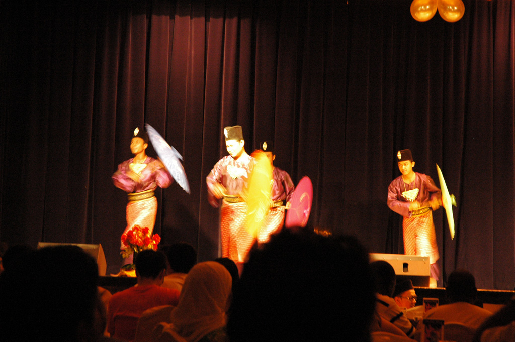 Tari payung - Danse des parapluies