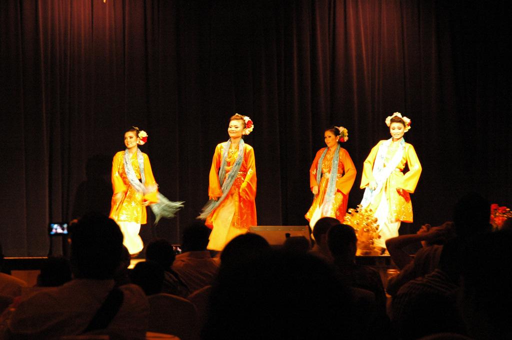 Danses féminines malaisienne