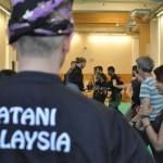 Pencak Silat - Arnaud surveille le déroulement du mini cours d'essai - Maison du Taiji