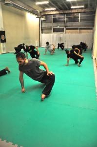 Cours de Pencak Silat - Seni Gayung Fatani - Assouplissements