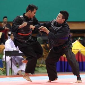 Penchak Silat - Silat olahraga Muhd Hamidi Ghazalien pleine action