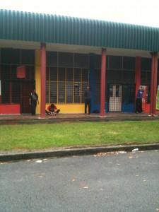 Penchak Silat - Attente avant le début du stage de pencak silat seni gayung fatani