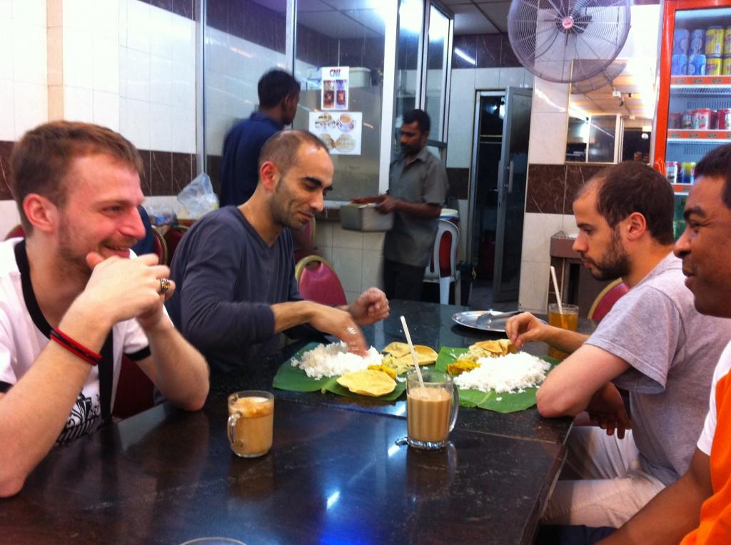 Penchak Silat - Repas la veille du premier jour de stage pencak silat en malaisie