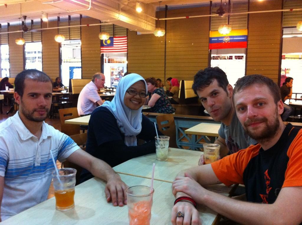 La team Seni Gayung Fatani france au central Market à kuala lumpur