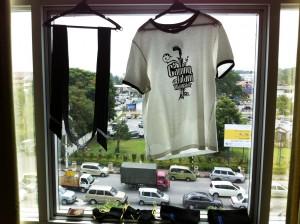 T-shirt Pencak Silat Seni Gayung Fatani Malaysia en train de sécher