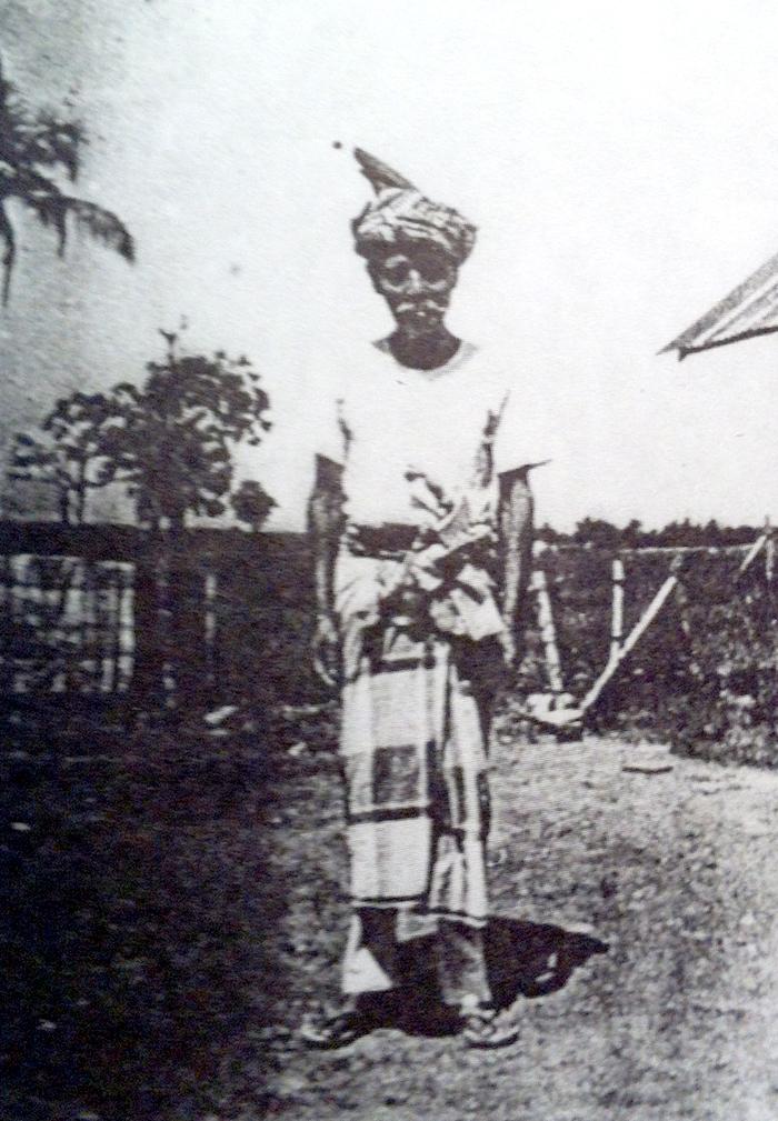3353053c1661 Les origines. Penchak Silat - Tok Ya Ramli Guru Tua Pencak Silat Seni  Gayung Fatani Malaysia