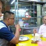 Carnet de Voyage en Malaisie 2014 - Izhar écoute sans un mot