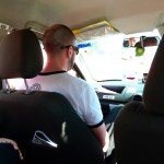 Carnet de Voyage en Malaisie 2014 - Jérôme dans le taxi de Raju