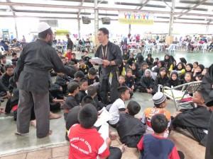 Brieffing de Cikgu Halim à ses élèves