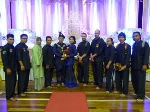 Photo de groupe avec les mariés Fazreen et Fazli