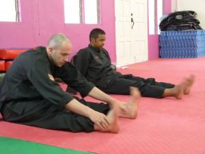 Séance de stretch avant entraînement