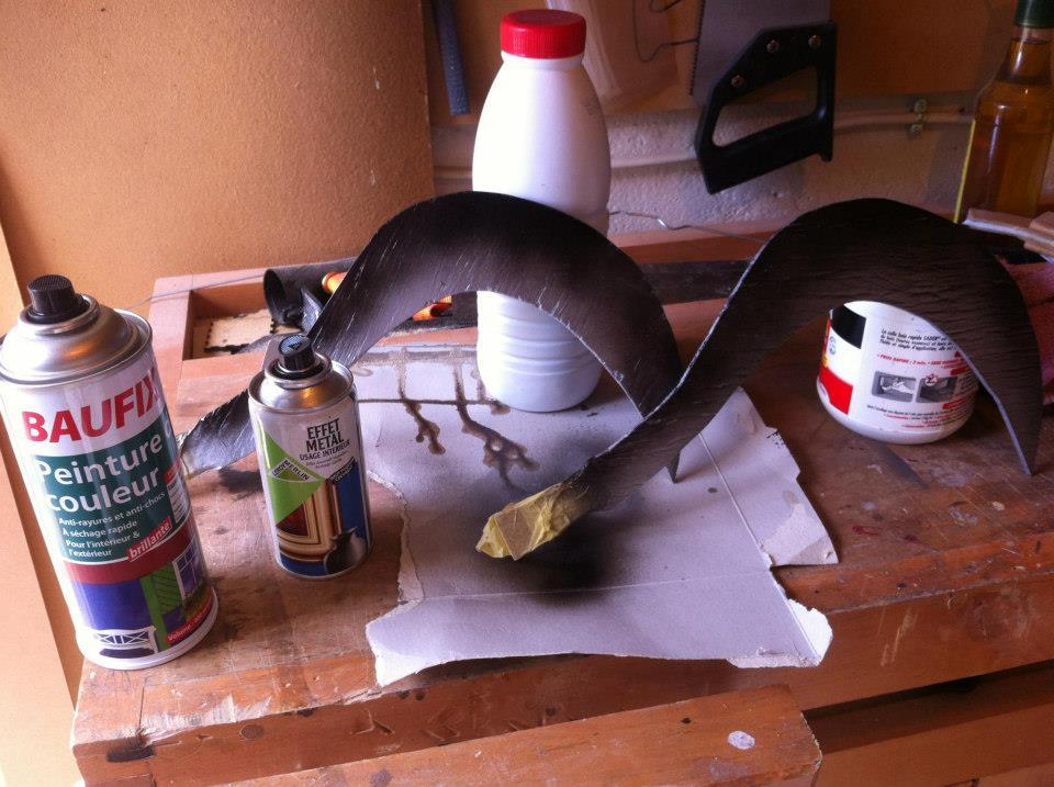 Fabrication d'un Sabit en bois - Peindre les lames en bois