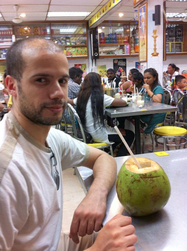 Carnet de stage Silat Fatani 2013 - Ferhat et sa noix de coco