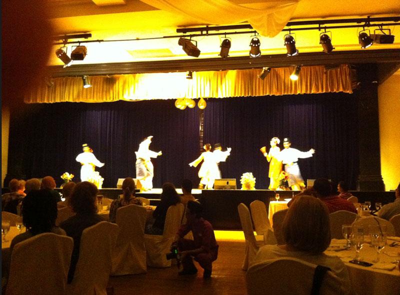 Les danseurs du restaurant Saloma